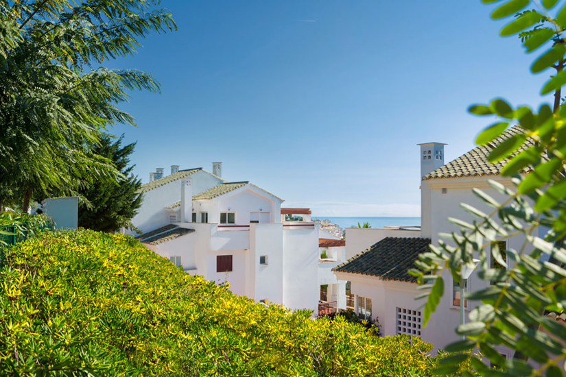 Andalusian style apartments with sea views in Alcaidesa