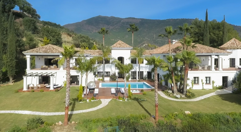Luxury villa with spectacular mountain views nestled in La Zagaleta Golf & Country Club