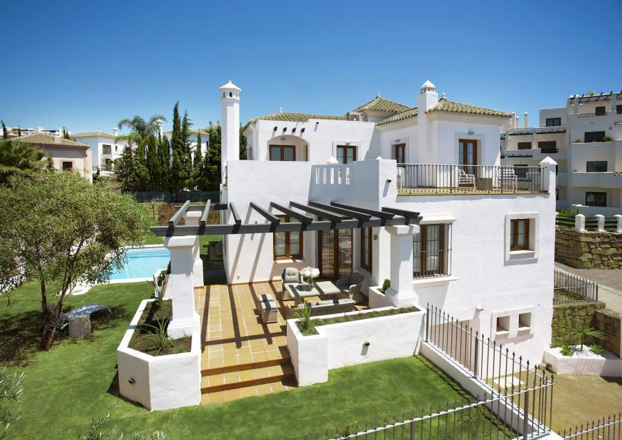 Andalusian Style Golf Villas in The New Golden Mile